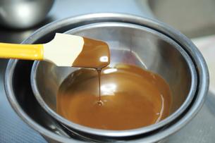 湯煎したチョコレートの写真素材 [FYI04804924]