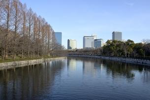 大坂城東外濠から大阪ビジネスパークの写真素材 [FYI04805223]