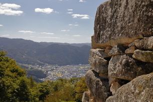 備中松山城より高梁市内を望む。の写真素材 [FYI04805651]