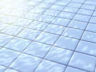 日差しに冴える濡れたタイルのイラスト素材 [FYI04805740]