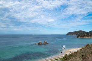 二見ヶ浦の海と青空の写真素材 [FYI04806035]