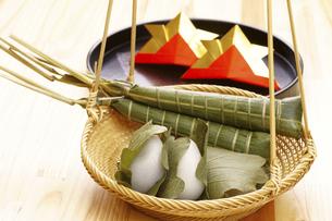 粽とかしわ餅の写真素材 [FYI04806563]