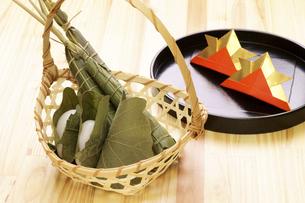 粽とかしわ餅の写真素材 [FYI04806564]