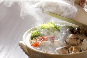 海鮮鍋 鍋料理の写真素材 [FYI04806793]