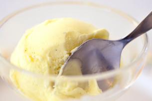 バニラアイスクリームの写真素材 [FYI04807703]