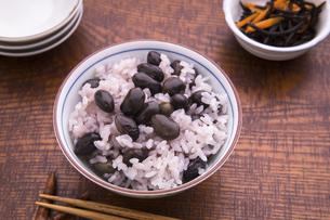 黒豆ご飯の写真素材 [FYI04808031]