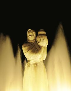 山下公園の水の守護神像の写真素材 [FYI04808279]