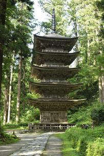 羽黒山 五重塔の写真素材 [FYI04808576]