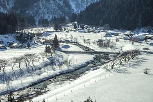 冬の山村の写真素材 [FYI04808767]