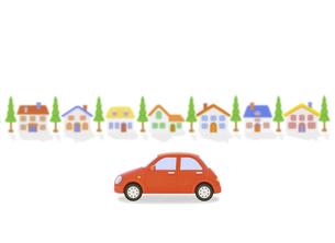 赤い車と家並みの写真素材 [FYI04808888]