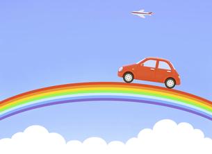 青空の虹と赤い車の写真素材 [FYI04808903]
