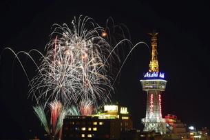 別府のクリスマス花火の写真素材 [FYI04809119]