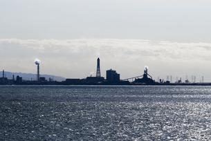 千葉県君津市の臨海工業地帯の風景の写真素材 [FYI04809338]