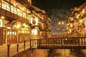 銀山温泉の写真素材 [FYI04809513]