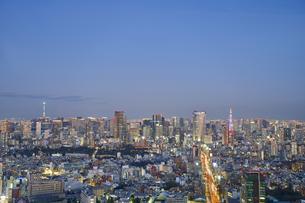渋谷スカイより望む東京の夕景の写真素材 [FYI04810026]
