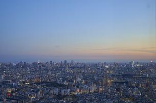 池袋から望む東京の夕景の写真素材 [FYI04810055]