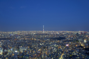 池袋から望む東京の夜景の写真素材 [FYI04810056]