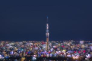 東京の夜景と東京スカイツリーの写真素材 [FYI04810359]