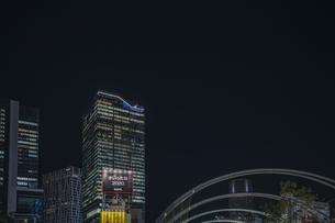 渋谷 ミヤシタパークから望む高層ビル群の写真素材 [FYI04810451]