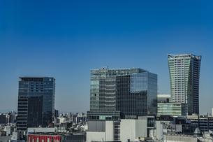 渋谷の商業ビル群と青空の写真素材 [FYI04810487]