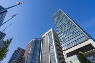 【東京都】都市景観 丸の内のオフィスビル群の写真素材 [FYI04810623]