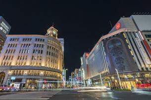 【東京都】都市景観 銀座の夜景の写真素材 [FYI04810641]