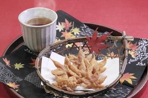 もみじの天ぷら の写真素材 [FYI04810806]