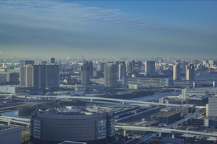豊洲から望む新豊洲、有明、ベイエリアの風景の写真素材 [FYI04811274]
