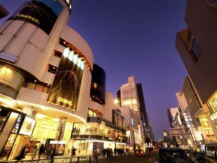夕暮れのラフォーレ原宿 東京都の写真素材 [FYI04811603]