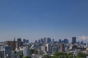 豊島区から望む新宿方面のビル群の写真素材 [FYI04812431]