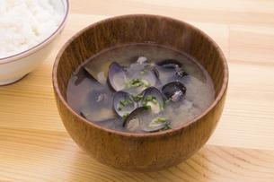 しじみの味噌汁の写真素材 [FYI04812682]
