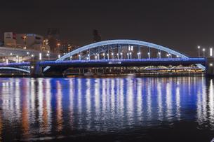 駒形橋のライトアップの写真素材 [FYI04813180]