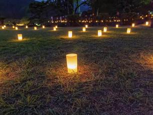 日本のお祭りの灯りの風景の写真素材 [FYI04814233]