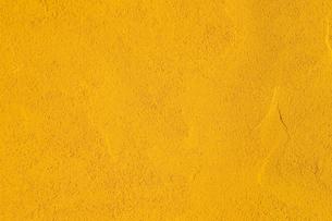 ターメリックパウダー ウコンパウダーターメリック 使い勝手の良い万能背景の写真素材 [FYI04814823]