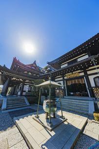 観音造立1300年を迎えた長谷寺の観音堂と阿弥陀堂の写真素材 [FYI04814856]