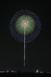 花火 常総の夜空へ未来を咲かそうの写真素材 [FYI04814908]
