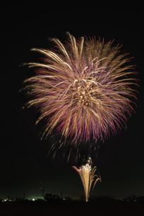 エール花火の写真素材 [FYI04814922]