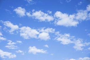 青空と雲の写真素材 [FYI04816126]