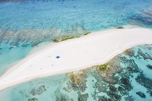 沖縄県、久米島のはての浜の写真素材 [FYI04816175]