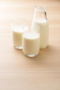 牛乳の写真素材 [FYI04816355]