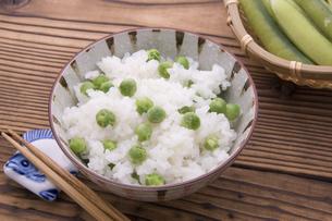 うすいえんどうの豆ご飯の写真素材 [FYI04816448]