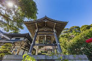 観音造立1300年を迎えた長谷寺の鐘楼の写真素材 [FYI04817819]