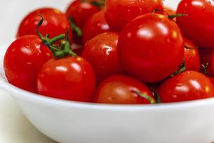 真っ赤なミニトマトの写真素材 [FYI04818656]