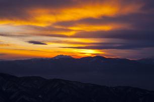 美ヶ原高原からの夕焼けの写真素材 [FYI04821360]
