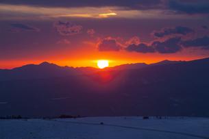 美ヶ原高原からの日の出の写真素材 [FYI04821361]
