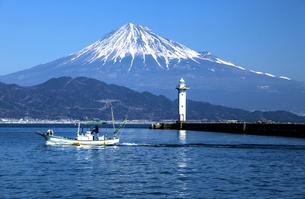 真崎海岸からの富士山の写真素材 [FYI04821377]