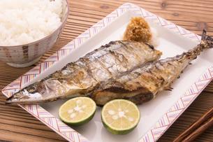 秋刀魚の塩焼きの写真素材 [FYI04821413]