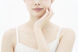 スキンケアイメージ・女性の写真素材 [FYI04822115]