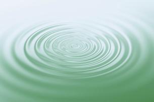 水の波紋 の写真素材 [FYI04822925]