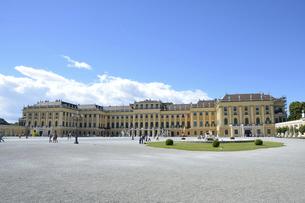 シェーンブルン宮殿前景の写真素材 [FYI04823161]